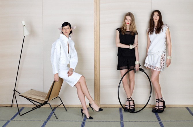 FRENCH WOMEN (CHANEL SS13)