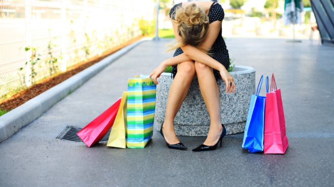shopping_bags_girl_2