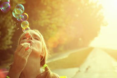 gi-woman-blowing-bubbles