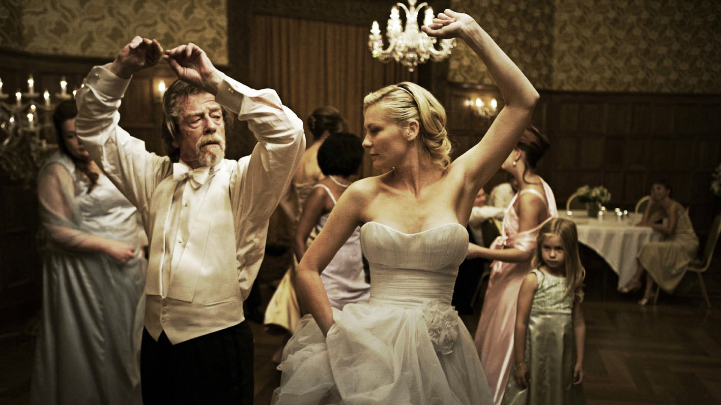 kirsten_dunst_and_john_hurt_melancholia