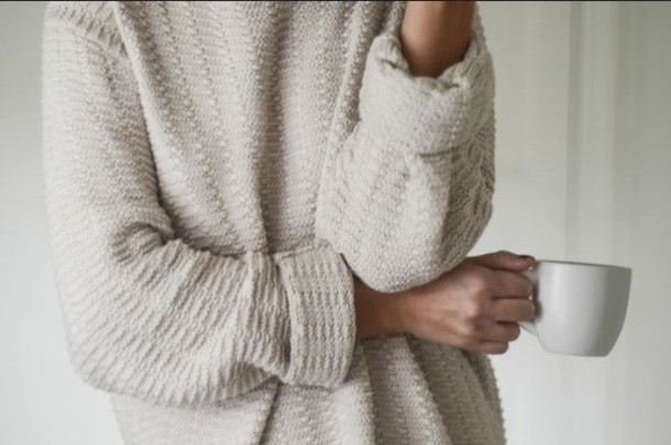 klq9zf-l-610x610-sweater-cozy-oversized-sweater-tumblr-white-comfy-comfy-outfits